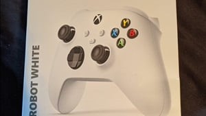 Xbox Series S seemingly confirmed by packaging for a white Series X/S controller